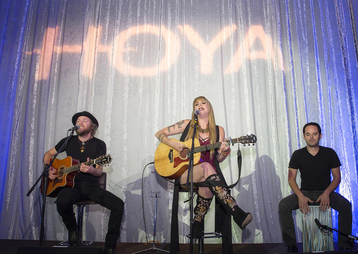 Special guests help HOYA Vision Care Canada celebrate 75-10 Anniversary at gala event