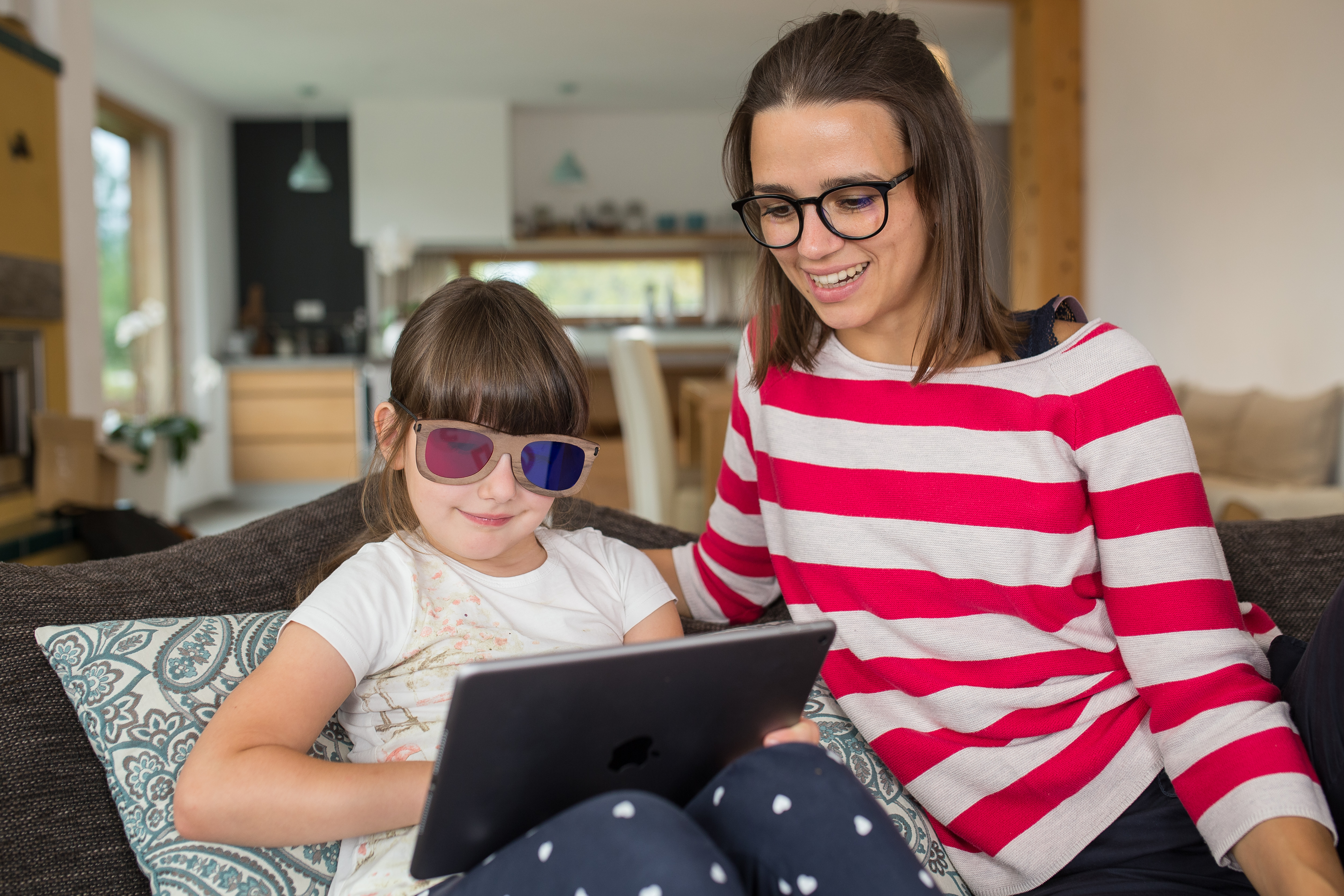 Survey highlights link between screen time, dry eye