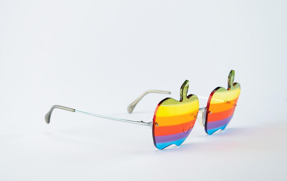 Geek Chic:  Steve Wozniak's custom-made Apple sunglasses up for auction